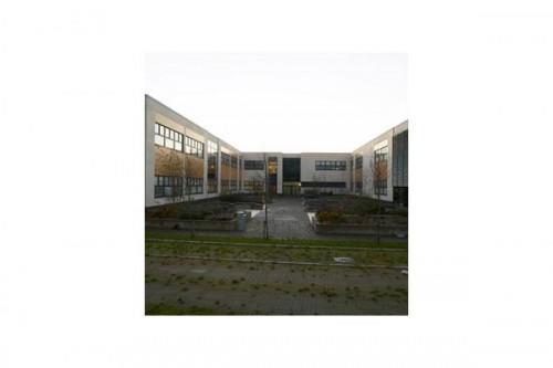 Lucrari, proiecte Placaje HPL pentru fatade ventilate - Proiectul Stockley Academy, Uxbridge, Anglia TRESPA - Poza 2