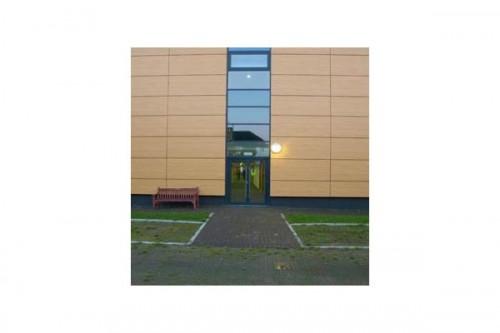 Lucrari de referinta Placaje HPL pentru fatade ventilate - Proiectul Stockley Academy, Uxbridge, Anglia TRESPA - Poza 6
