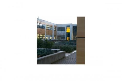Lucrari de referinta Placaje HPL pentru fatade ventilate - Proiectul Stockley Academy, Uxbridge, Anglia TRESPA - Poza 7