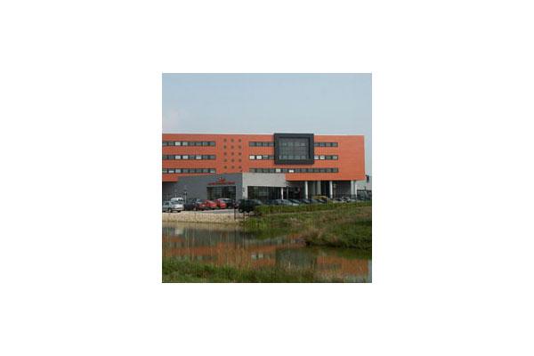 Placaje HPL pentru fatade ventilate - Proiectul v.d. Meerakker TRESPA - Poza 4