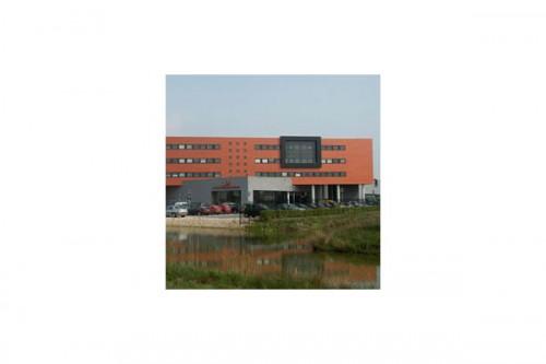 Lucrari de referinta Placaje HPL pentru fatade ventilate - Proiectul v.d. Meerakker TRESPA - Poza 4
