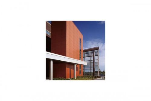 Lucrari de referinta Placaje HPL pentru fatade ventilate - Proiectul William Rainey Harper College, SUA TRESPA - Poza 4
