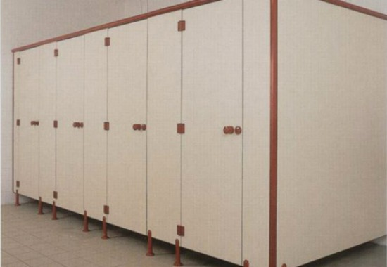 Cabine sanitare si vestiare din panouri HPL SANI-CAB