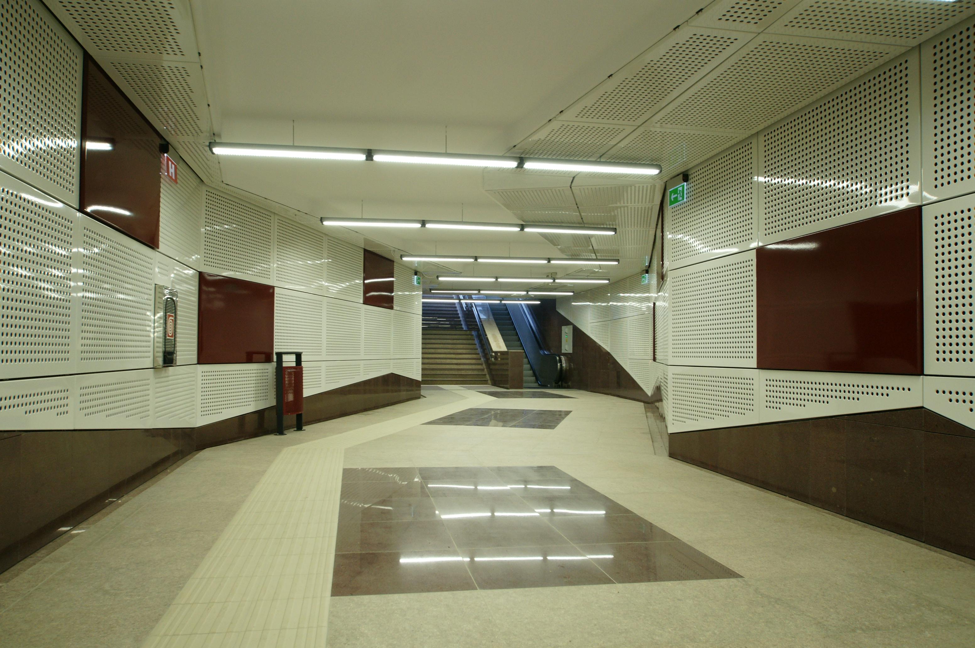 Panouri din tabla de otel folosite la statia de metrou Jiului OMERAS - Poza 1