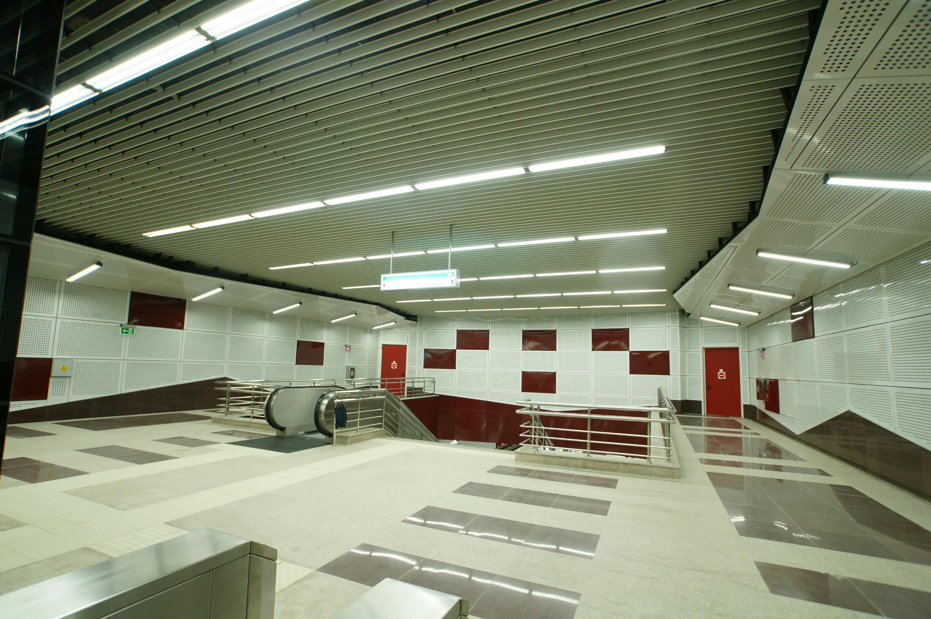 Panouri din tabla de otel folosite la statia de metrou Jiului OMERAS - Poza 3