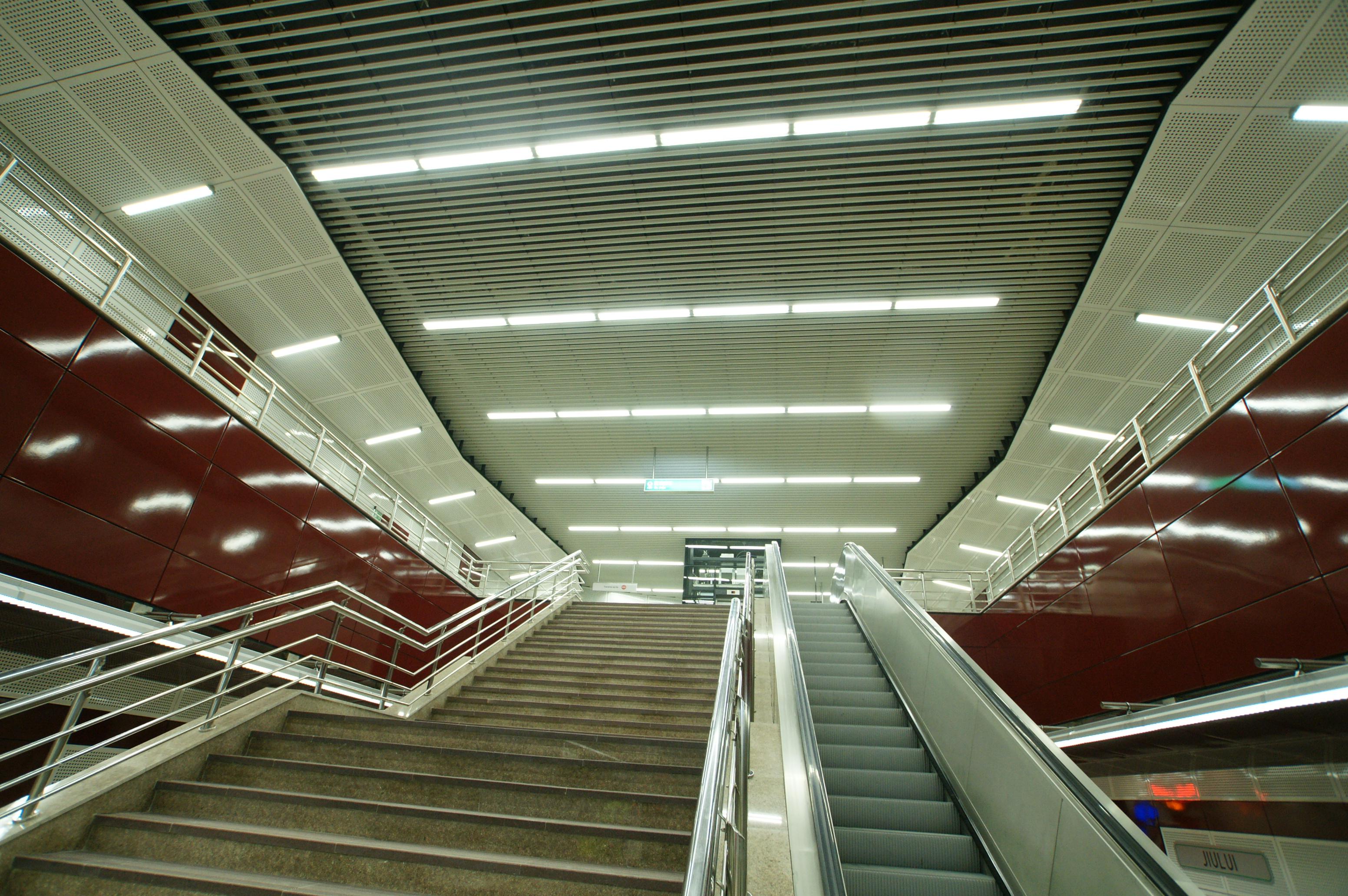 Panouri din tabla de otel folosite la statia de metrou Jiului OMERAS - Poza 5