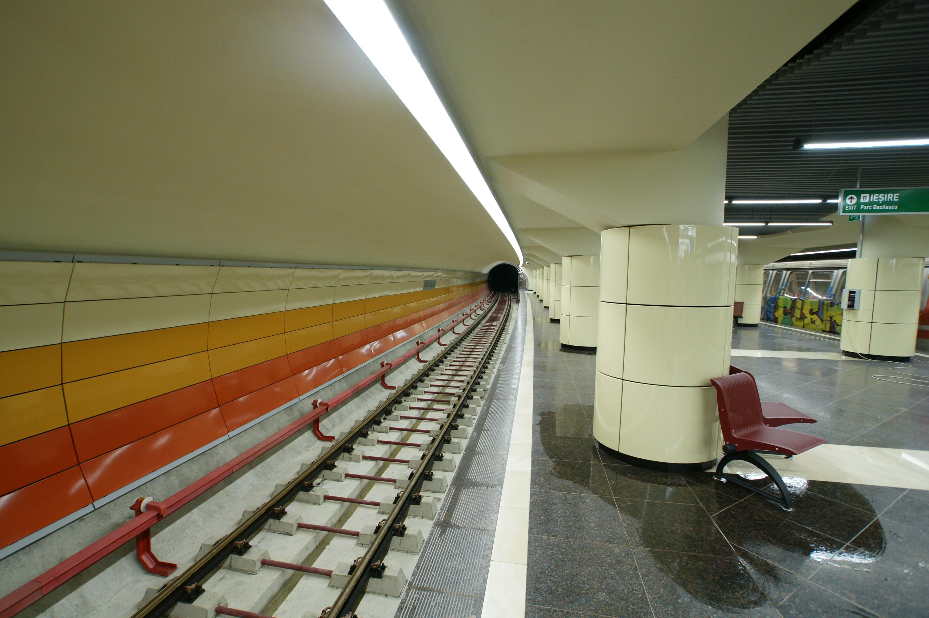 Panouri din tabla de otel folosite la statia de metrou Bazilescu OMERAS - Poza 1
