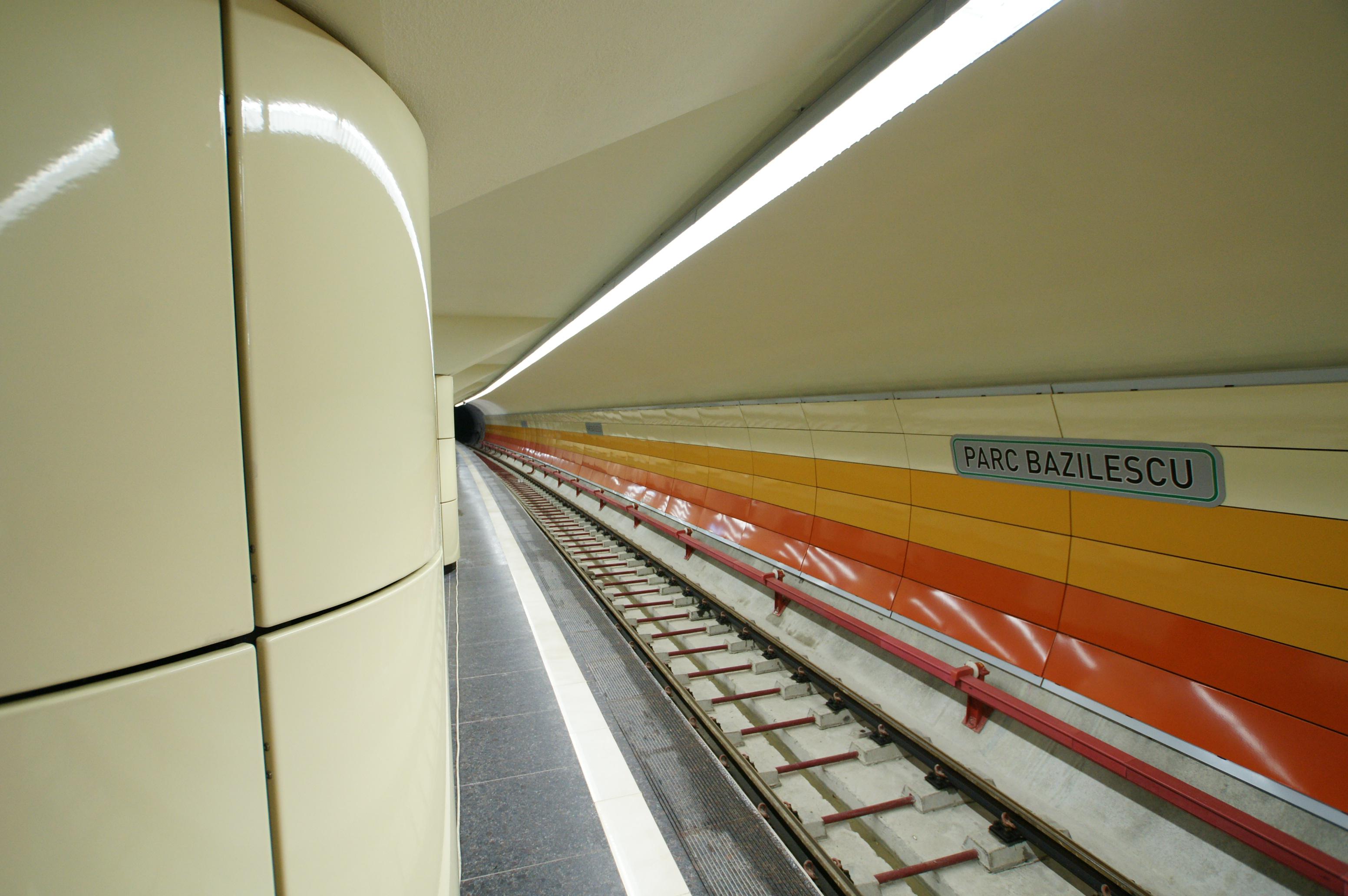 Panouri din tabla de otel folosite la statia de metrou Bazilescu OMERAS - Poza 5