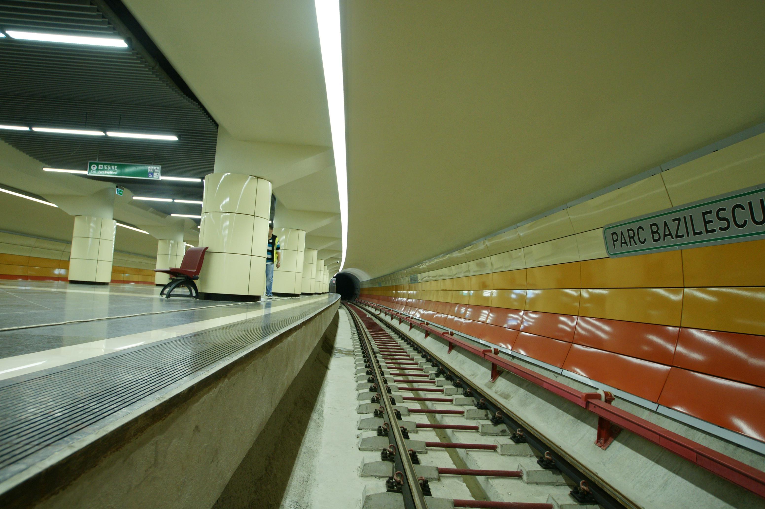 Panouri din tabla de otel folosite la statia de metrou Bazilescu OMERAS - Poza 6