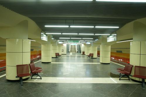 Lucrari de referinta Panouri din tabla de otel folosite la statia de metrou Bazilescu OMERAS - Poza 9