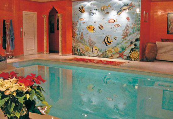 Faianta pictata pentru amenajarea piscinelor ARTELUX