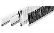 Perii pentru curatat vibroprese Periile pe suport rigid incastrate in sine C-track sunt ideale pentru bancurile de lucru in prelucrarea Al si PVC-ului, in protejarea pieselor prelucrate pe mese dar si in glisare sau transport.