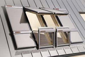 Ferestre de mansarda Ferestrele de mansarda Fakro sunt produse de top, fabricate din materie prima de cea mai bună calitate, pe baza celor mai noi tehnologii, ceea ce asigura trainicie si eficienta.