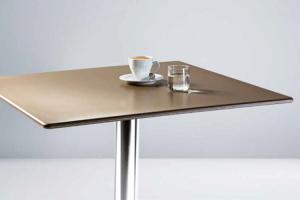 Mobilier pentru baruri Chairry ofera clientilor piese de mobilier si accesorii rezistente, confortabile, dar si usor de intretinut.