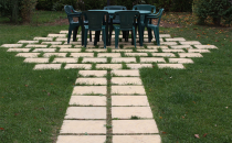 Pavaj decorativ, industrial si borduri din beton PAVEROM va pune la dispozitie o gama variata de pavele decorative, pavele industriale, borduri din beton. Acestea sunt disponibile in diferite grosimi si inaltimi.