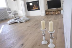 Parchet din lemn masiv pentru spatii publice si private GIANT va ofera o gama variata de parchet din lemn masiv pentru spatii publice si private