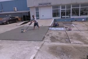 Reconditionari suprafete din beton degradat/macinat BETON ECOSERV a ''innoit'' peste 9000 mp de platforme din beton aflate in diverse stadii de degradare si a protejat peste 1800 mp de beton cu LPU.