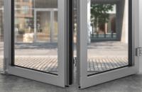 Mecanisme pentru ferestre si usi din aluminiu Fiind un initiator in ceea ce priveste tehnologia, Roto dezvolta solutii inteligente pentru produse, ce impresioneaza prin precizia tehnica si durata lunga de functionare.