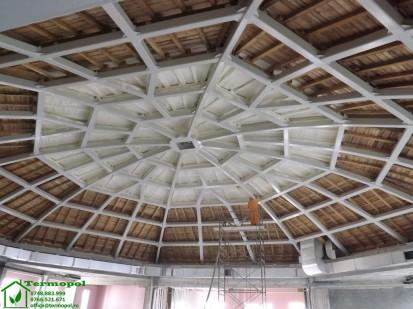Izolatii spuma poliuretanica cupole lemn / Izolatie-spuma-poliuretanica-cupola-lemn-3