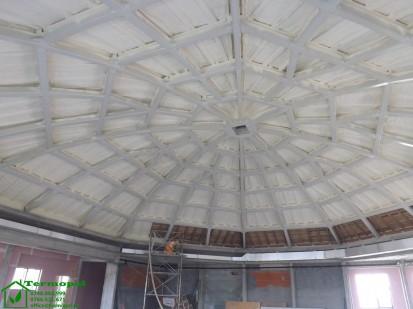 Izolatii spuma poliuretanica cupole lemn / Izolatie-spuma-poliuretanica-cupola-lemn-14