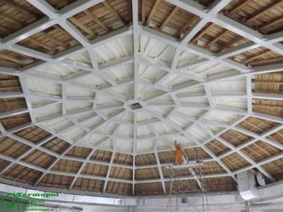 Izolatii spuma poliuretanica cupole lemn / Izolatie-spuma-poliuretanica-cupola-lemn-4