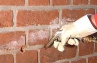 Tratamente injectare pentru impermeabilizare si hidroizolare zone umede  Spuma si rasinile poliuretanice si epoxidice WEBAC sunt folosite pentru injectarea sub presiune in structurile de beton sau in zidarie, pentru umplerea fisurilor, porilor etc.