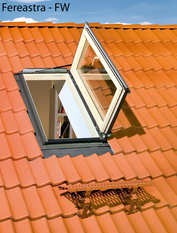 Ferestre pentru acces pe acoperis FAKRO - Poza 25