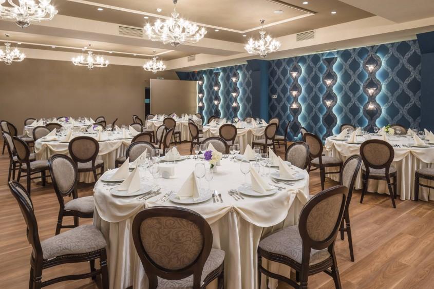 Saloanele Sky Grand Ballroom mobilate cu piese Chairry - Saloanele Sky Grand Ballroom mobilate cu piese