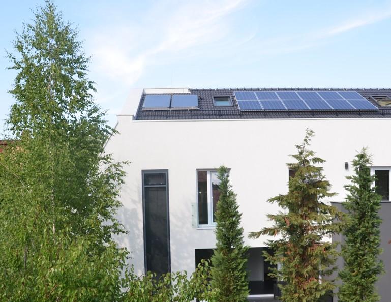 Fatada sudica - Casa E4 - Perete Trombe - Perete termodinamic solar realizat cu profile Metra
