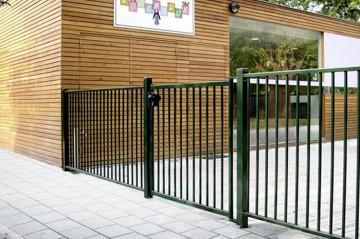 Juventas - panou cu bare - Panouri pentru garduri metalice