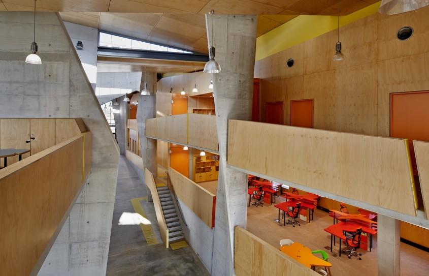 Facultatea de Arhitectura Abedian - 7 arhitecți cărora nu le-a fost frică de culoare