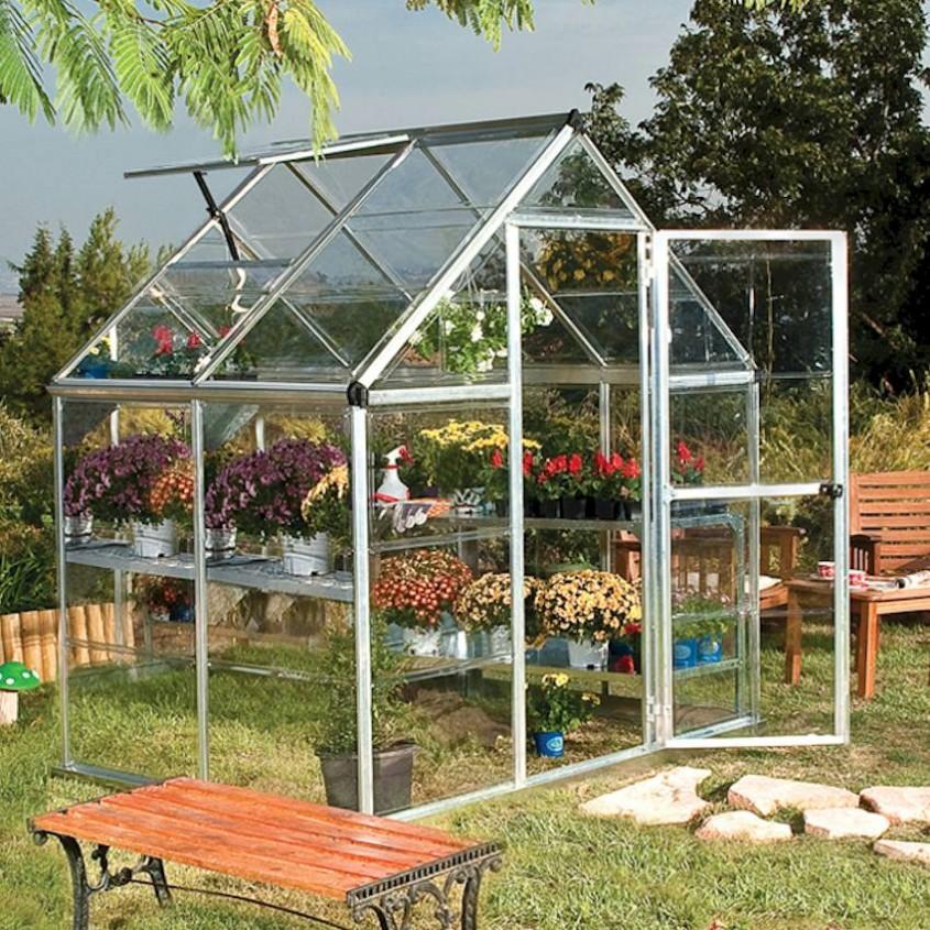 Sera ventilata - Sfaturi pentru îngrijirea grădinii pe vreme caniculară
