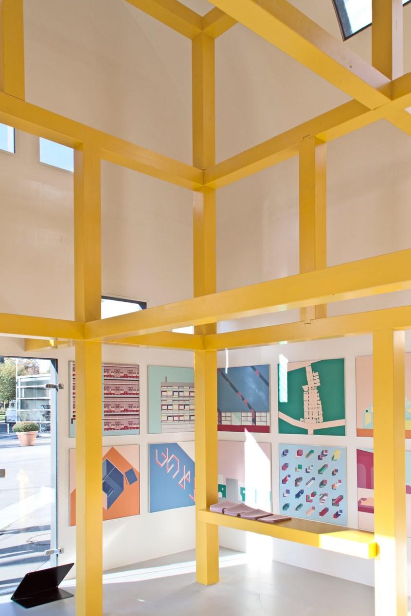 O schiță a arhitectului Ettore Sottsass a fost transformată într-un pavilion pentru Bienala de Arhitectură din