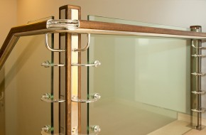 Balustrada din sticla, inox si lemn - Balustrade