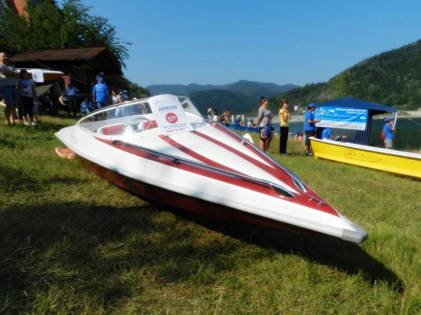 Model ambarcatiune: Arrow - Expozitia de barci - Criber Nautics