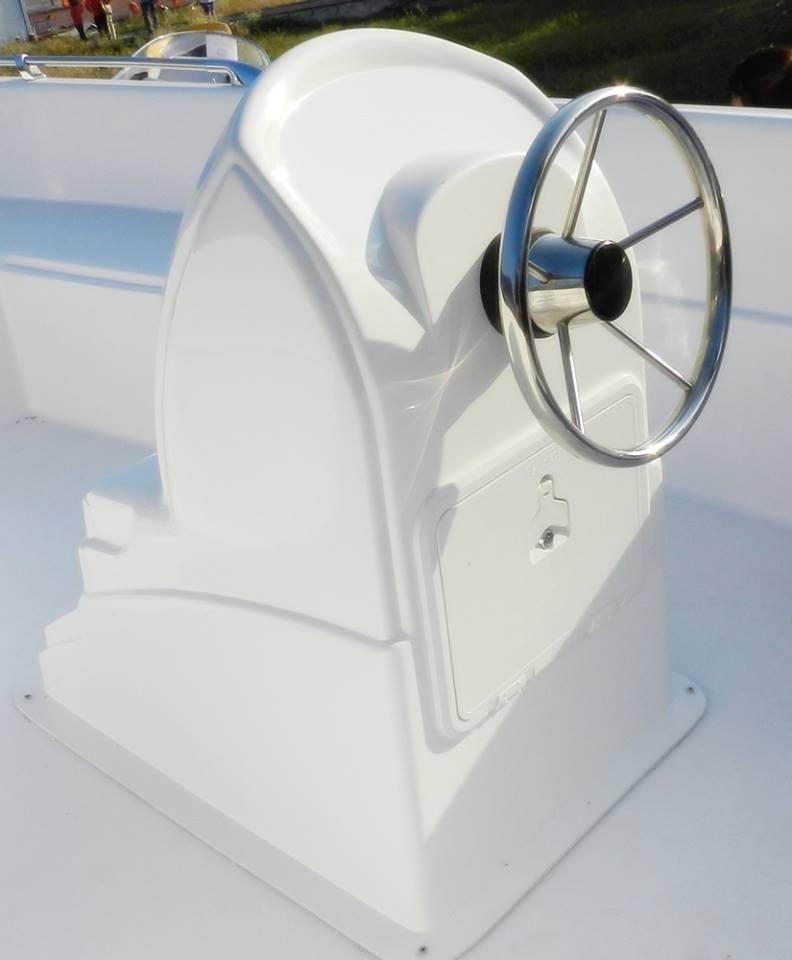 Model ambarcatiune: Delphin 5.0 - Expozitia de barci - Criber Nautics
