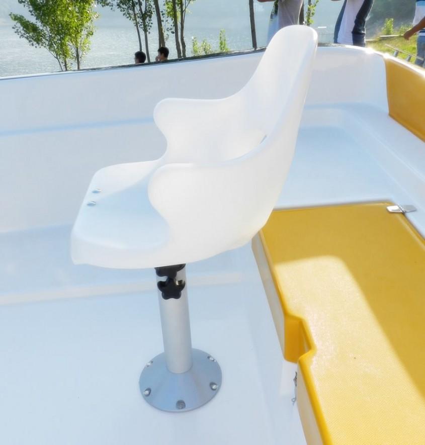 Model ambarcatiune: Delphin 5.5 - Expozitia de barci - Criber Nautics