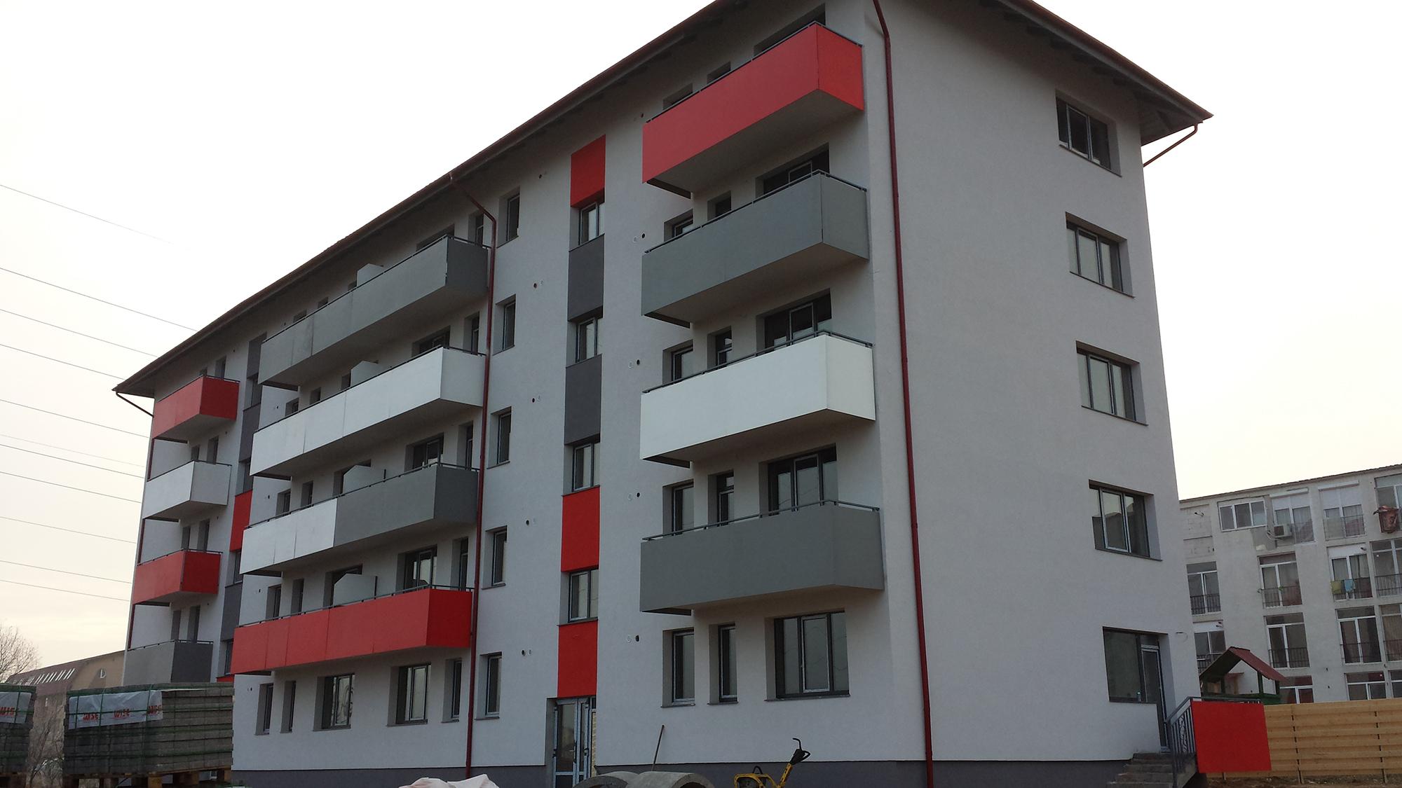 Balcoane vesele pentru un bloc nou din Cluj - Balcoane vesele pentru un bloc nou din