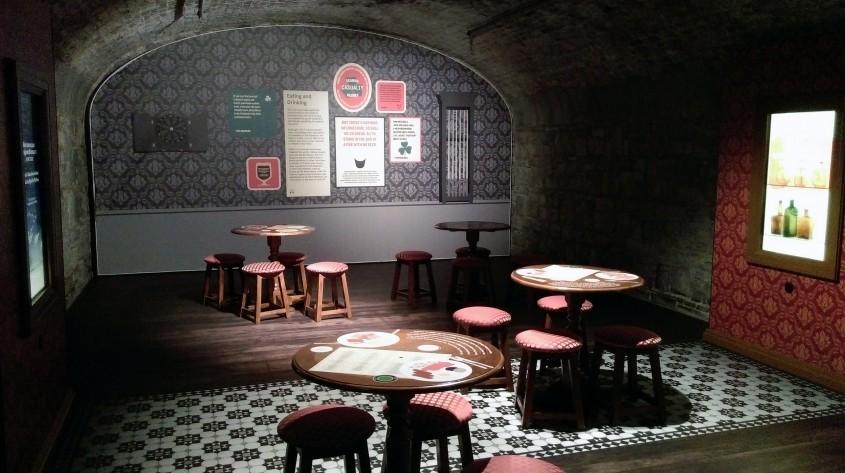 Galeria pub-urilor traditionale - Muzeul Emigrației Irlandeze EPIC un spectacol vizual și interactiv care nu trebuie