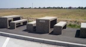 Banci si mese din beton - Mobilier urban - Banci