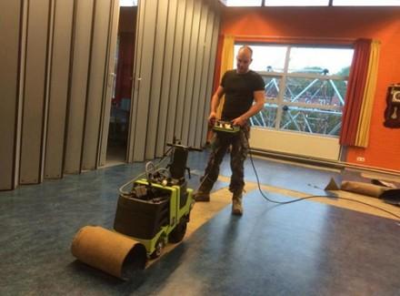 Robot pentru decopertat pardoseli Robo Stripper - Robot decopertat pardoseli Robo Stripper