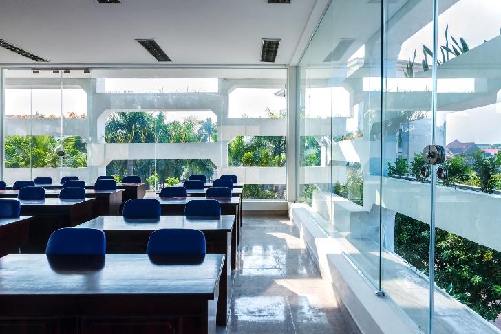 Cladirea de birouri SRDP-IVVMC - Spatii de birouri intretesute cu zone de vegetatie