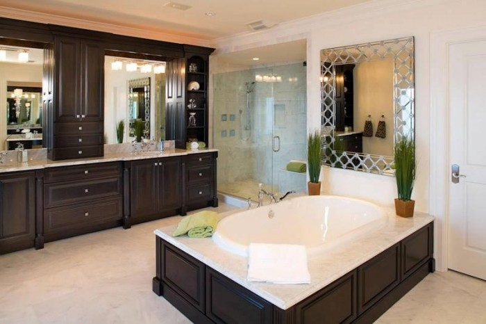 Beautiful Master Bathroom Ideas: Optimizează Spațiul De Depozitare Din Baie