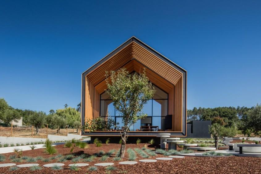 Casa unui arhitect portughez construită dupa desenele unui copil - Casa unui arhitect portughez construită dupa