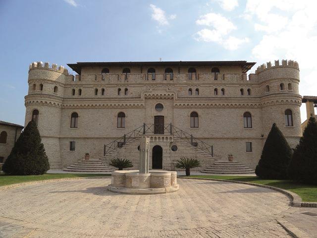 Hotel Castello di Septe - refacerea teraselor exterioare cu produse MAPEI - Hotel Castello di Septe