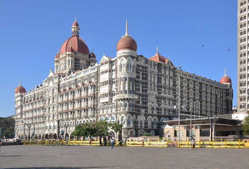 Palatul Mumbai - Profilux vă prezintă un produs inovator pentru protecția anti-alunecare destinat treptelor și pardoselilor