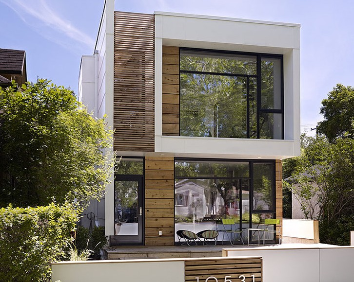 O casa ingusta dar cu interioare generoase - O casa ingusta dar cu interioare generoase