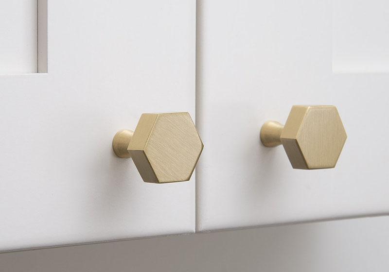 Variante de manere si butoni pentru dulapurile din bucatarie - Variante de mânere și butoni pentru
