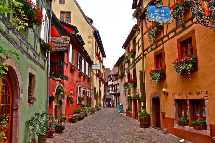 Eguisheim - 10 orase medievale din Europa ce par desprinse din basme