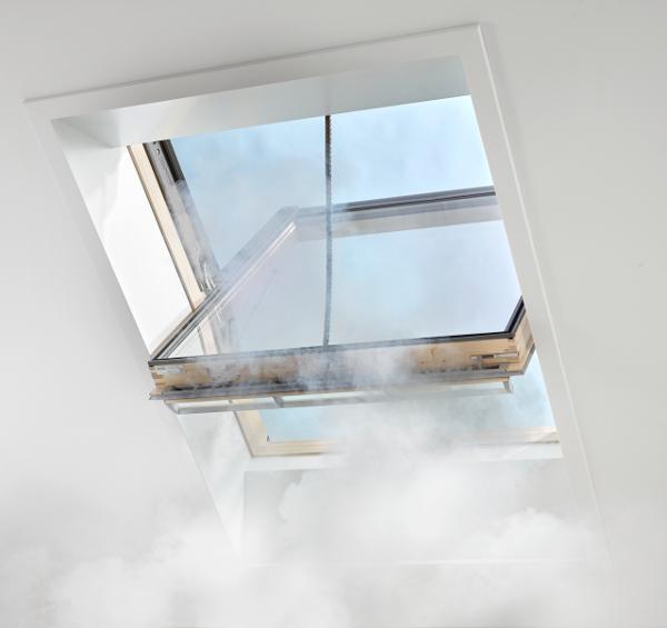 VELUX - fereastra evacuare fum - Sistem performant pentru evacuarea fumului - de la VELUX